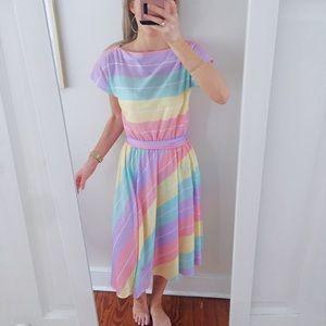 VINTAGE rainbow 🌈 midi dress. Fits like small